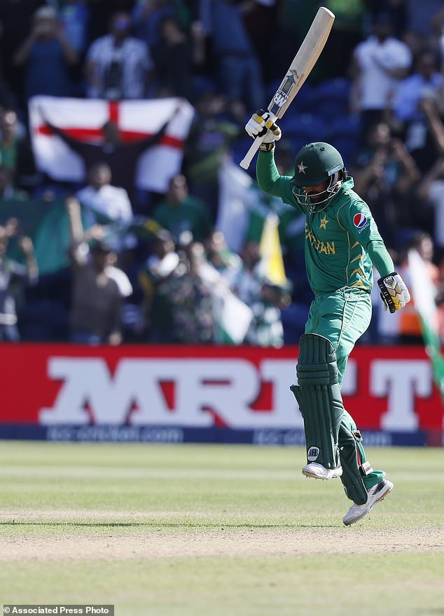 Pakistan thrashes England to reach CT final for 1st time