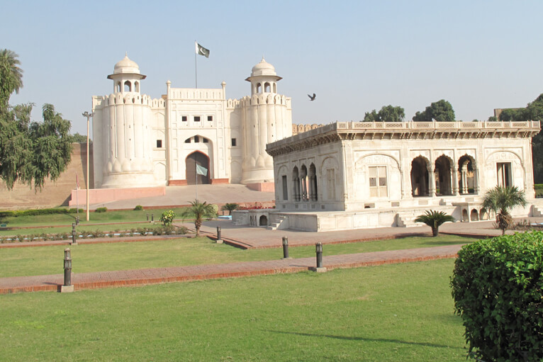 Lahore aglore with exhibitions, cultural events Pakistan Shining